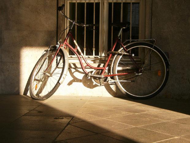 fahrrad am strausberger platz (september 2008)