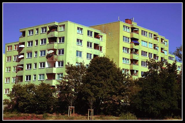 Häuser am Pankebecken im Juli 2006
