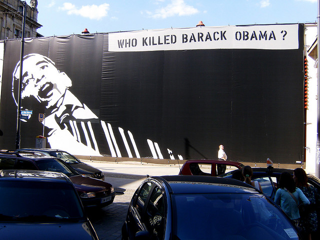 WHO KILLED BARACK OBAMA? - Kunst im Raum in Wrocław, Polen (Juli 2008)
