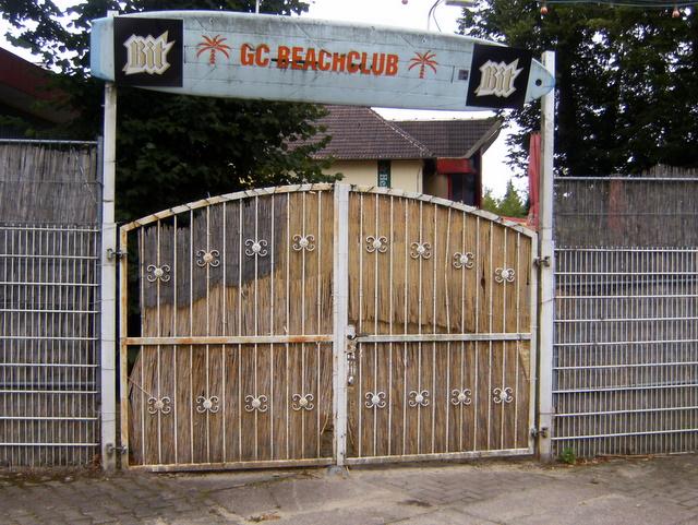 der beachclub in worbis, thüringen braucht auch einen neuen anstrich (juli 2011)