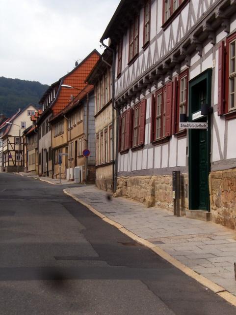 Stadtbücherei und Fassaden (Juli 2011)