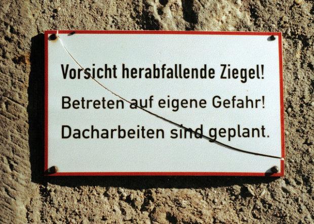 herabfallende Ziegel in Frauenstein, Sachsen (Oktober 2007)