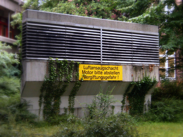 Hinweis auf dem Campus des Krankenhaus Westend - Juni 2008