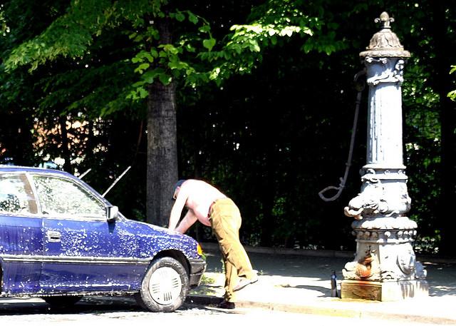 symbolbild: deutschland (berlin-wedding, juni 2006)
