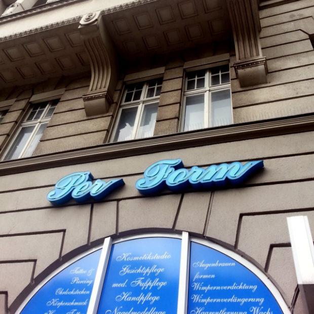 Wenn Germanisten Kosmetikstudios eröffnen