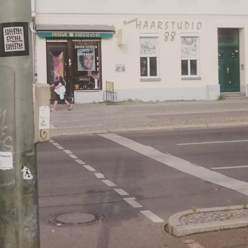 im #prenzlauerberg machen sie die haare schön deutsch